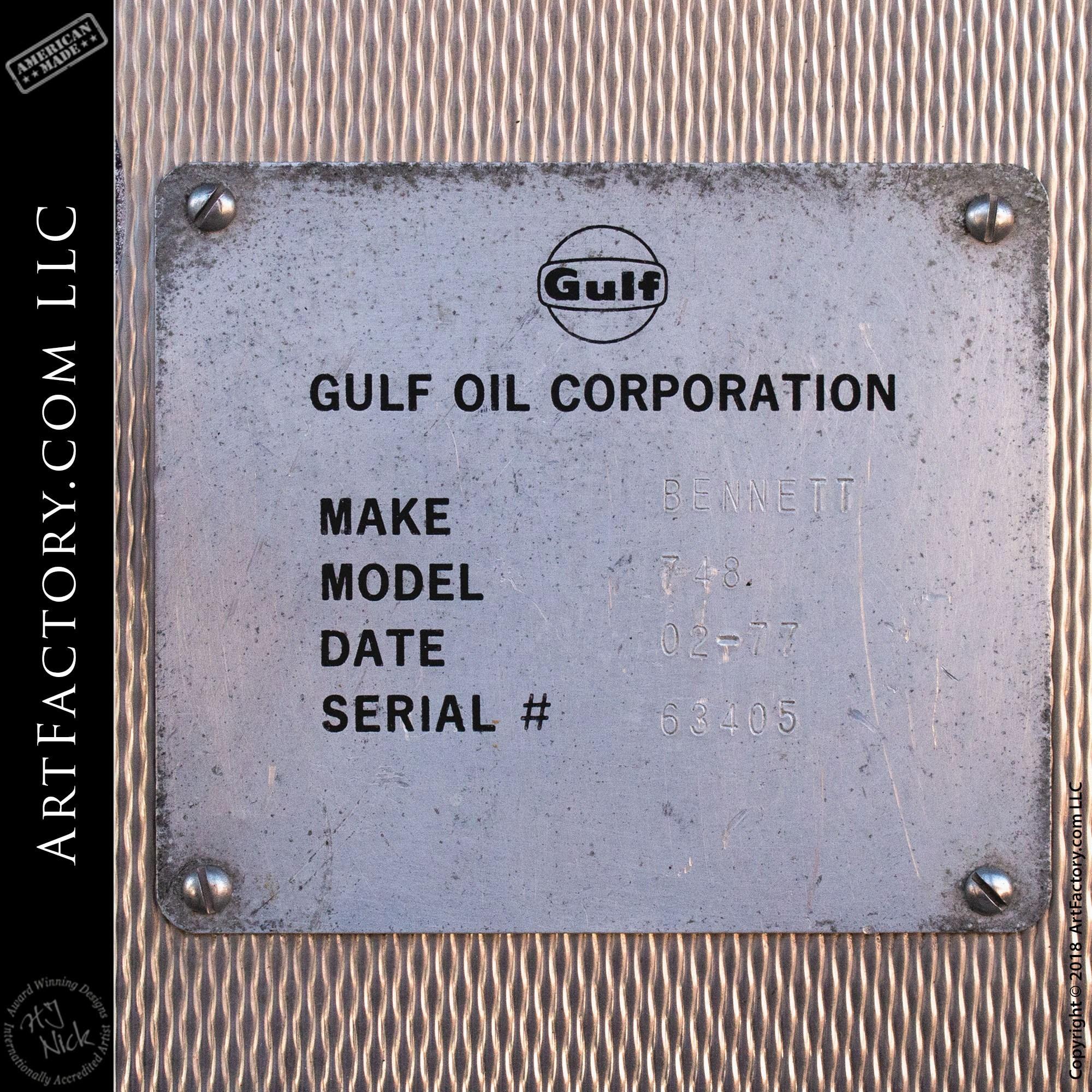 Bennett gas pump manufacture plate