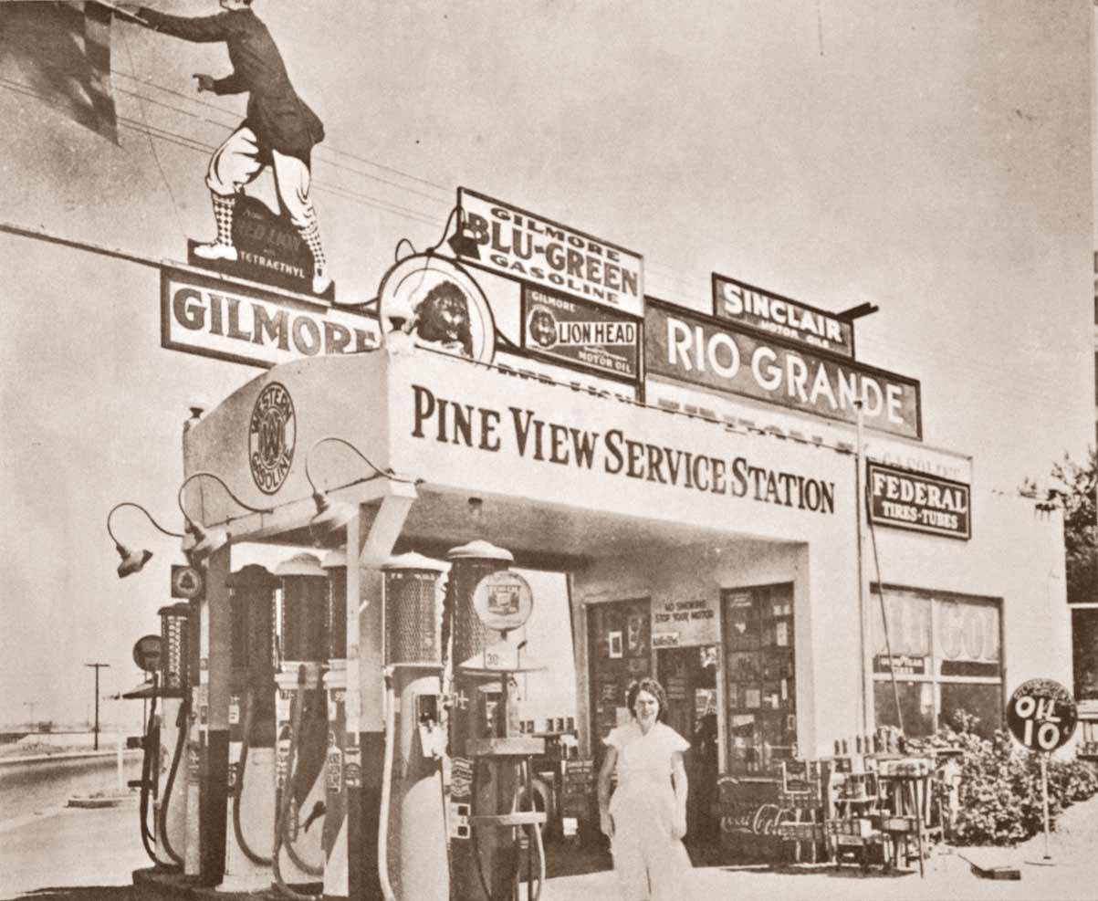 Vinatage Gas Station - Let Us Design Your New Man Cave - MC899